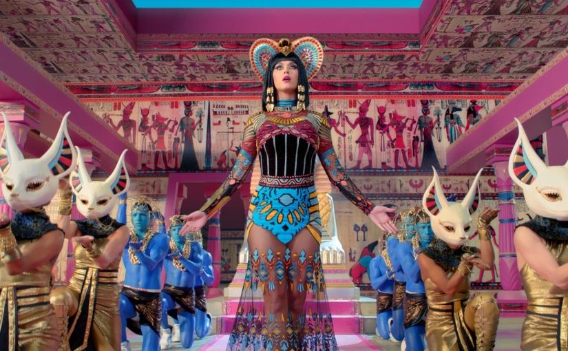 Katy Perry y sus empalagososoutfits