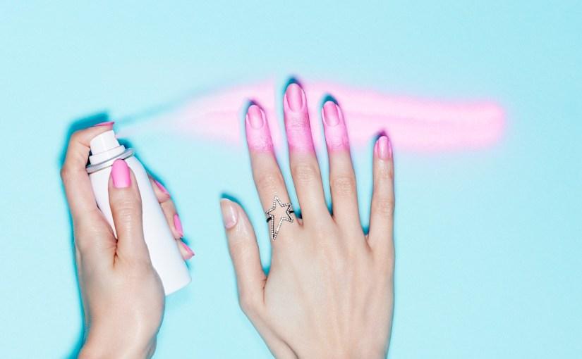 Pintura de uñas en aerosol; loúltimo.