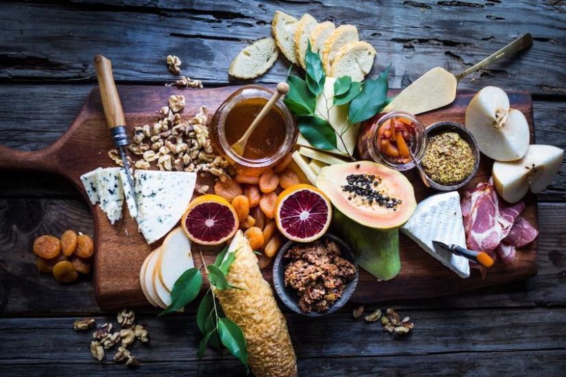Mesa de quesos, carnes frías y frutos: Inspírate y crea latuya